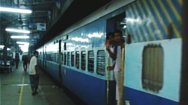 401889-chennai-train.jpg